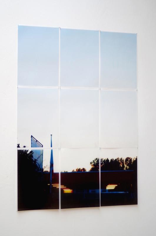 The short moment between sunlight and florescent light  (melanchtonweg)